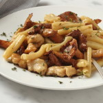 Chanterelle Mushroom and Chicken Pasta
