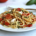 30-Minute Fresh Tomato Mozzarella and Crushed Black Peppercorn Spaghetti